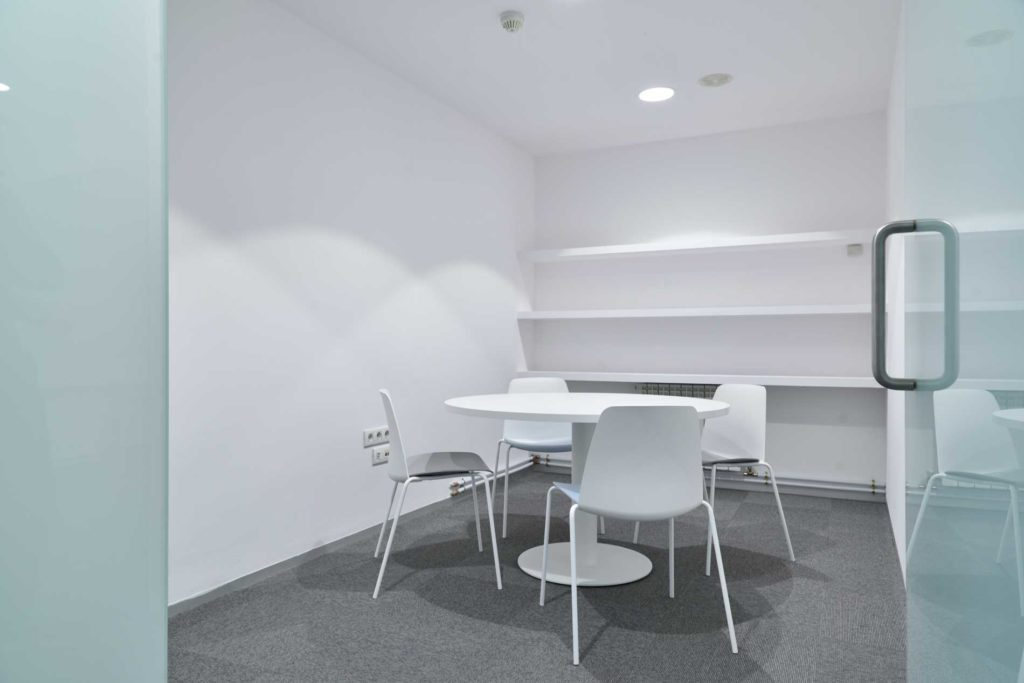 Coworking Geoinnova - Sala de Reuniones 2 ( 4 pax)