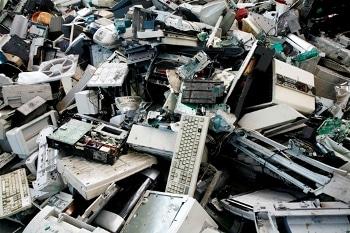 Toneladas de basura electrónica son generadas cada año ¿Podrá resistirlo la Tierra? Fuente: www.reordena.com