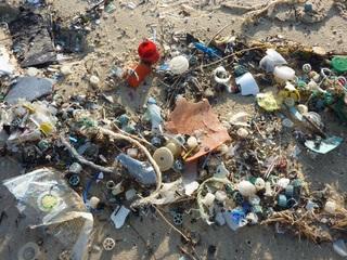 Los vertederos de desechos plásticos ilegales incrementaron en los últimos dos años
