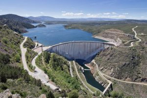 Existen diferentes tipos de obstáculos en los ríos