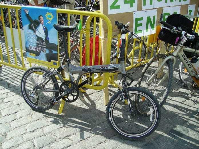 La bicicleta es una excelente opción para transportarse de manera sostenible
